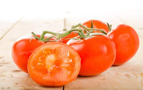 Tomatoes on the vine (Swiss)