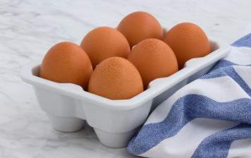 6 fresh eggs