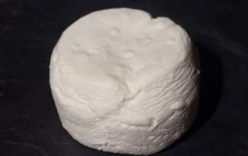 Organic fresh sheep's milk...
