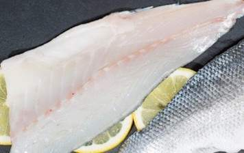 Sea bass fillet (with skin)