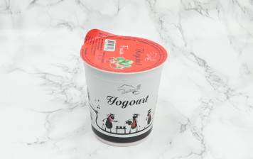 Strawberry yogurt from Moléson