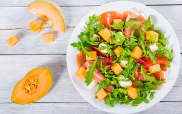 Salade de melon et poulet mariné